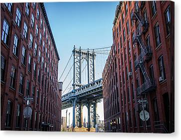 View Of Manhattan Bridge Canvas Print by Mike Burgquist