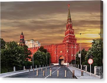 View Of The Borovitskaya Tower Of The Moscow Kremlin Canvas Print