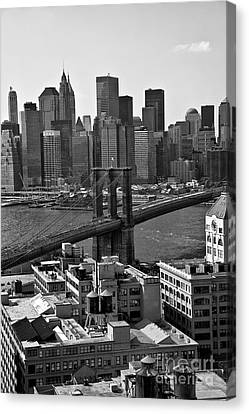 View Of The Brooklyn Bridge Canvas Print