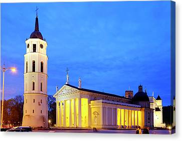 Canvas Print featuring the photograph Vilnius Cathedral by Fabrizio Troiani