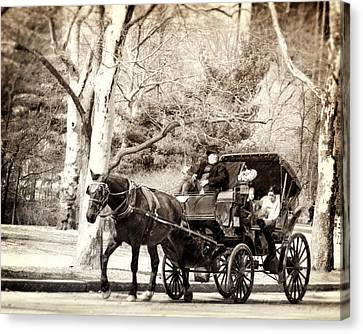Vintage Carriage Ride In Central Park Canvas Print