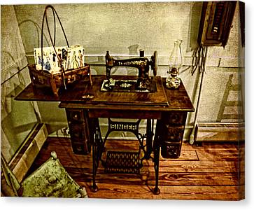 Vintage Singer Sewing Machine Canvas Print