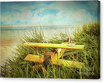 Vintage Toy Plane In Tall Grass At The Beach Canvas Print by Sandra Cunningham