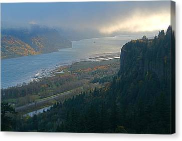 Vista House At Crown Point Canvas Print by Todd Kreuter