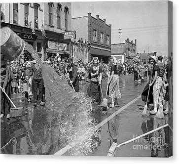 Volksparade Holland Michigan Street Cleaning 1946 Canvas Print by The Harrington Collection
