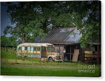 Waiting For The Bus In Tennessee Canvas Print by T Lowry Wilson