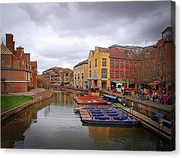 Canvas Print featuring the photograph Waiting For The Tourists Cambridge by Gill Billington