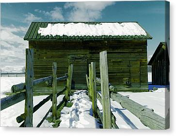 Canvas Print featuring the photograph Walkway To An Old Barn by Jeff Swan