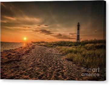 Warm Sunrise At The Fire Island Lighthouse Canvas Print