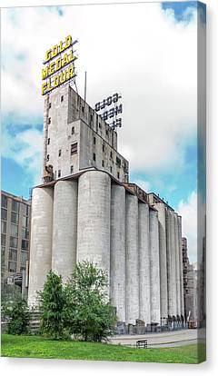 Washburn Mill And Gold Medal Flour Sign In Minneapolis Canvas Print by Jim Hughes