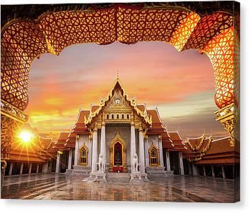 Wat Benchamabopitr Dusitvanaram Canvas Print by Anek Suwannaphoom