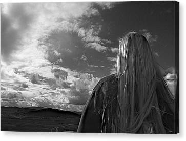 Watching As The World Goes By Canvas Print by Glenn McCarthy