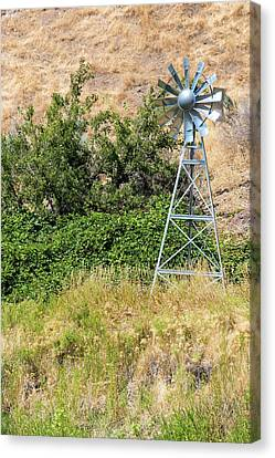 Canvas Print - Water Aerating Windmill For Ponds And Lakes by David Gn