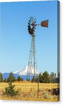 Water Pump Windmill In Central Oregon Farm Canvas Print by David Gn