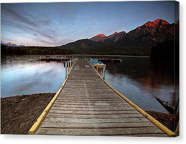 Water Reflections At Pyramid Lake Canvas Print by Mark Duffy