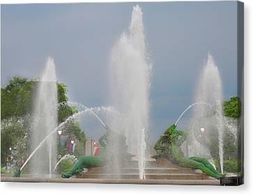 Water Spray - Swann Fountain - Philadelphia Canvas Print by Bill Cannon