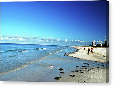 Canvas Print featuring the photograph Water's Edge by Gary Wonning