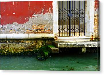 Water's Edge In Venice Canvas Print