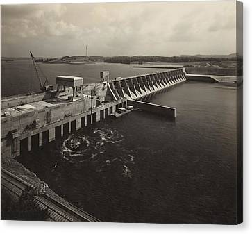 Watts Bar Dam On The Tennessee River Canvas Print by Everett