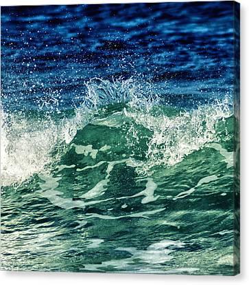 Wave3 Canvas Print
