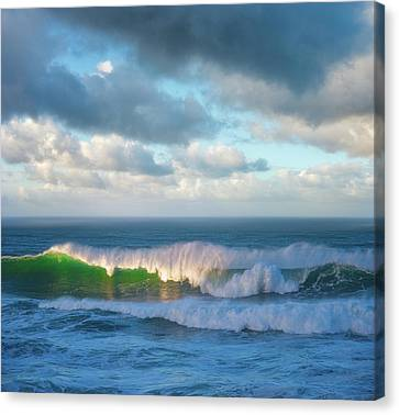 Canvas Print featuring the photograph Wave Length by Darren White