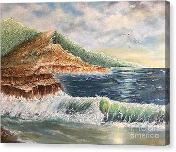 Wavy Pacific Hawaii  Canvas Print by Viktoriya Sirris