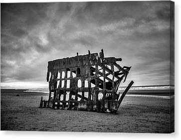 Fort Stevens State Park Canvas Print - Weathered Rusting Shipwreck In Black And White by Garry Gay