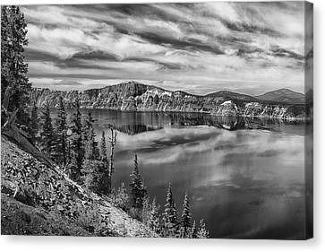 West Rim Of Crater Lake B W Canvas Print by Frank Wilson