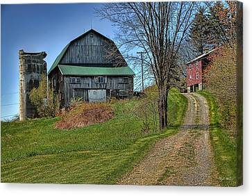 Western Pennsylvania Country Barn Canvas Print by Dyle   Warren