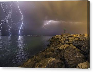 When Lightning Strikes Canvas Print by Mehdi Momenzadeh