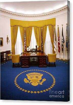 White House: Oval Office Canvas Print by Granger