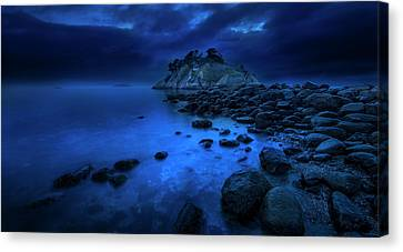 Canvas Print featuring the photograph Whytecliff Dusk by John Poon