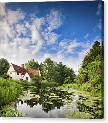 Willy Lott's House Flatford Mill Canvas Print by Colin and Linda McKie