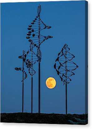 Buffalo Ny Canvas Print - Wind Sculptures At Wilkeson Pointe by Chris Bordeleau