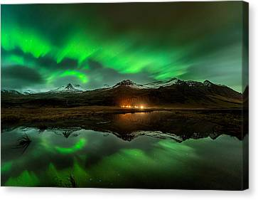 Wind To Northern Ligths Canvas Print by David Martin Castan