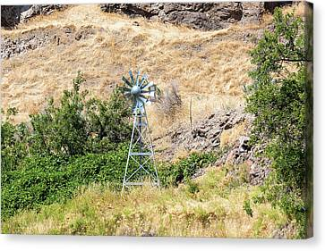Canvas Print - Windmill Aerator For Ponds And Lakes by David Gn