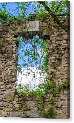 Canvas Print featuring the photograph Window Ruin At Bridgetown Millhouse Bucks County Pa by Bill Cannon