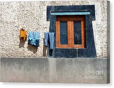 Canvas Print featuring the photograph Window by Yew Kwang