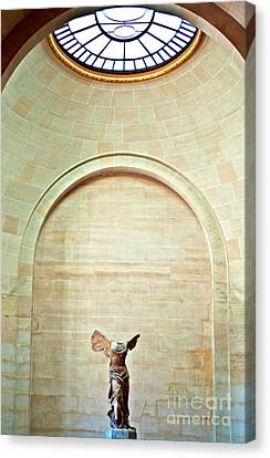 Winged Victory Of Samothrace Louvre Canvas Print by Loriannah Hespe