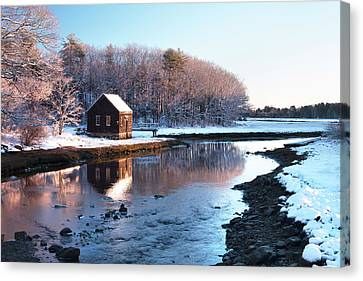 Winter Scene In Rye Nh Canvas Print by Eric Gendron