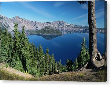 Wizard Island On Crater Lake Canvas Print by Frank Wilson