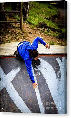 Women Skateboarders  Canvas Print by Carl Warren