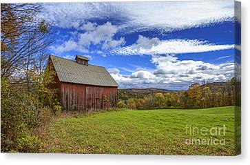 Woodstock Vermont Old Red Barn In Autunm Canvas Print by Edward Fielding