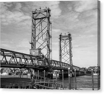 World War I Memorial Bridge Portsmouth Nh Monochrome Canvas Print