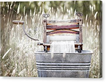 Wringer Washer - Retro Matte Canvas Print