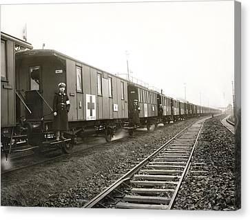 Wwi German Hospital Train Canvas Print by Underwood Archives