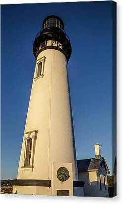 Yaquina Head Lighthouse Building Canvas Print by Garry Gay