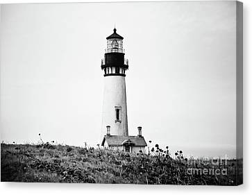 Yaquina Head Lighthouse - Bw Pov 1 Canvas Print