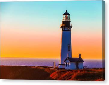 Yaquina Head Lighthouse Oregon Canvas Print by Garry Gay