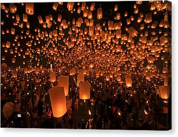 Yee Peng Festival In Thailand Canvas Print by Sanchai Loongroong